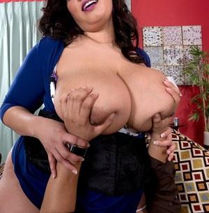 Клиент и толстая проститутка с огромной жопой